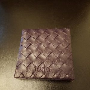Tarte amazonian clay pressed powder